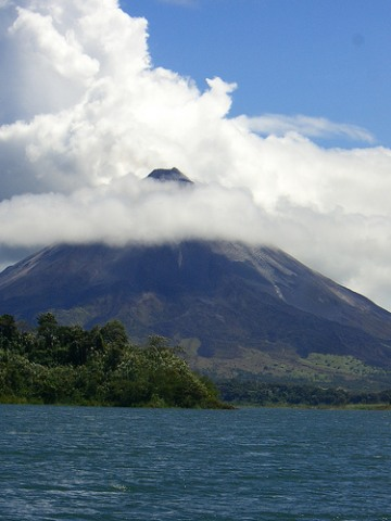 costa-rica-vacation_arenal-volcano
