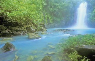 costa-rica-vacation_rio-celeste
